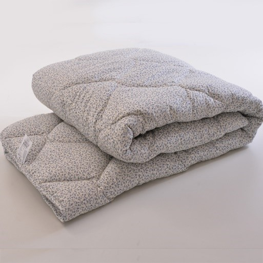 Kokiomis savybėmis pasižymi vilnonės antklodės?